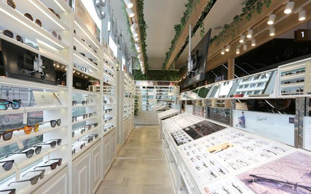 eyewear-stores-in-bangkok-owndays-gaysorn