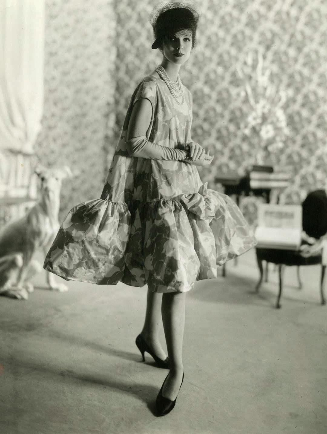 Balenciaga baby-doll dress, 1958 (Photo credit: Archives Balenciaga)