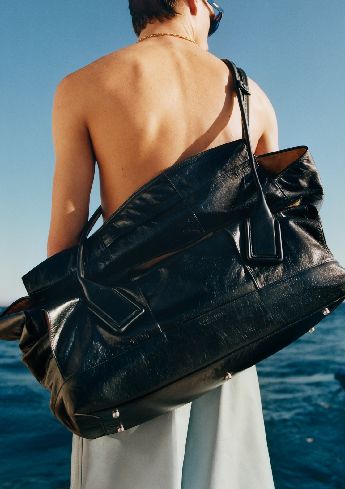 clean leather bags