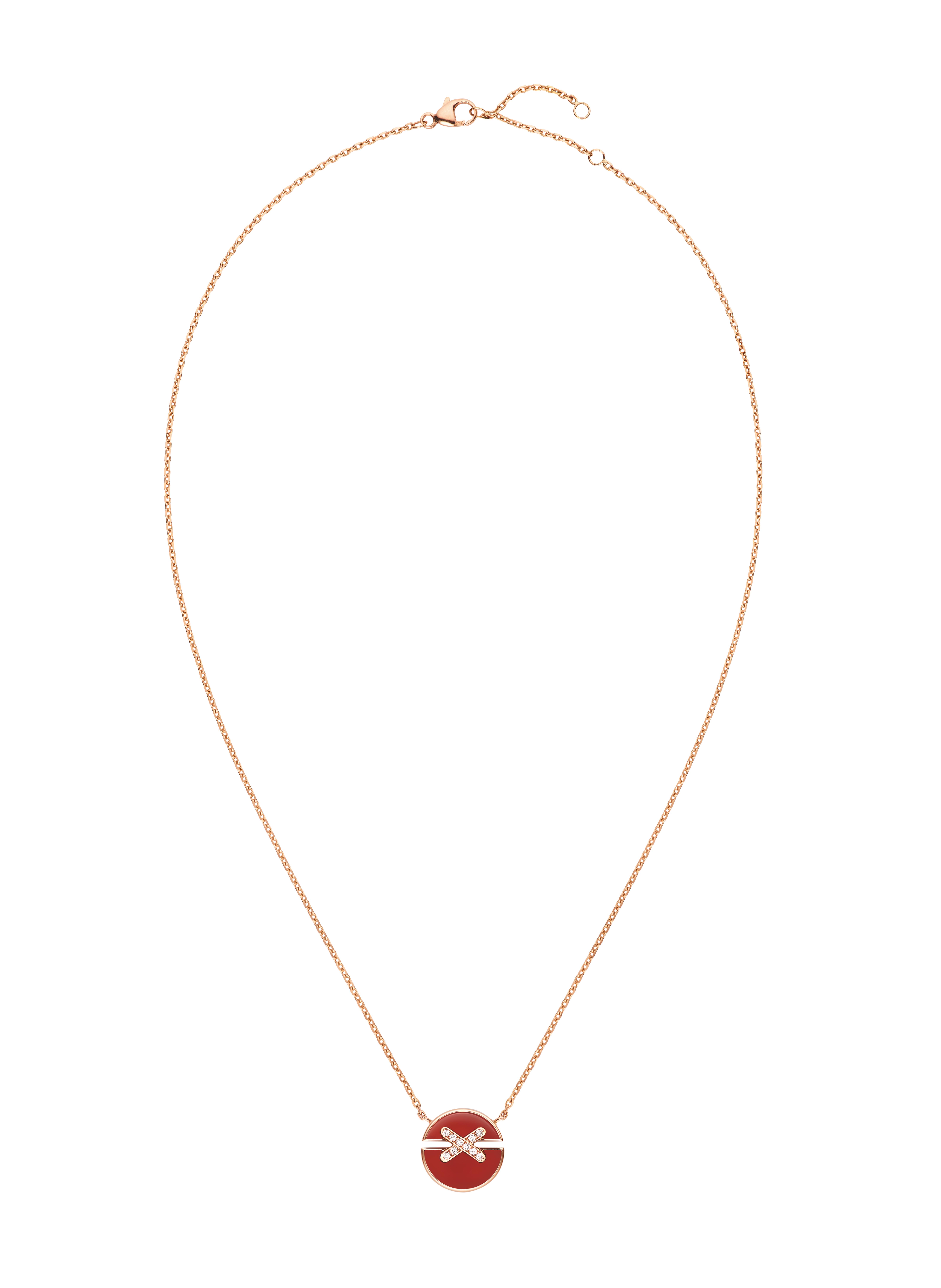 Chaumet Jeux de Liens Harmony Medallion in rose gold, brilliant-cut diamonds and carnelian (Photo credit: Chaumet)